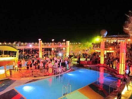 Pool Party Theme venuemonk 1