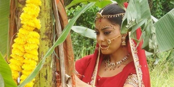 manglik-woman-marrying-a-tree-in-india