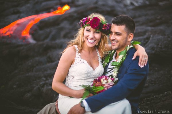 Couple Takes Wedding Pics On Volcano With Molten Lava (4)