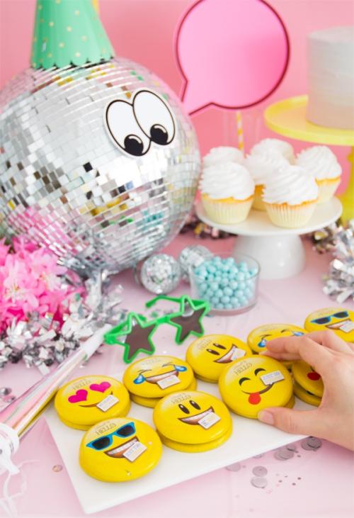 Emoji Theme Decoration 2