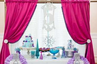 Frozen Theme Birthday Party Decoration 3