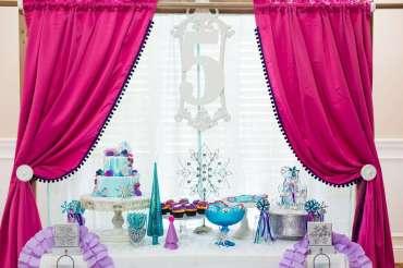 Frozen Theme Birthday Party Decoration 3
