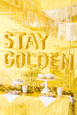 Gold Birthday Party Theme Decoration 5