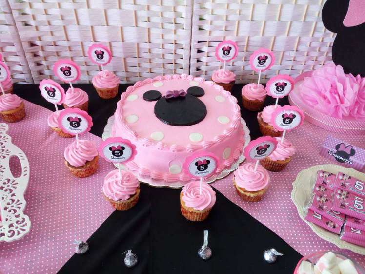 Pink Minnie Theme Birthday Party Cake