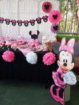 Pink Minnie Theme Birthday Party Decoration 3