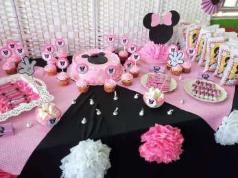 Pink Minnie Theme Birthday Party Food 6