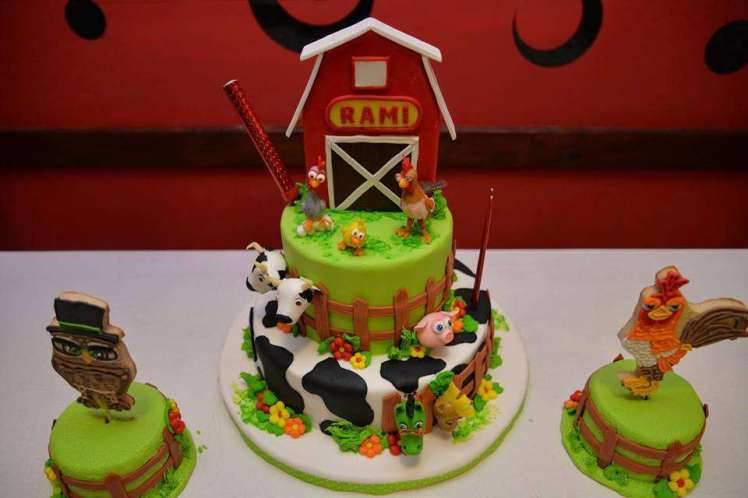 Farm Theme Birthday Party Cake 3