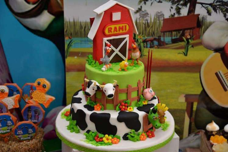 Farm Theme Birthday Party Cake 4