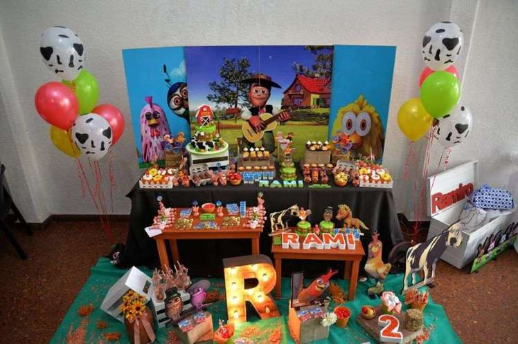 Farm Theme Birthday Party Decoration 2