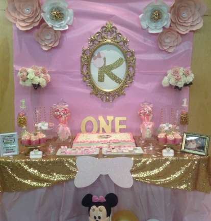 Royal Minnie Mouse Theme Birthday Party Decoration 2