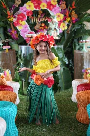 Hawaiian Theme Birthday Party Birthday Girl