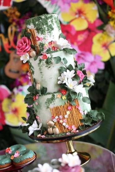 Hawaiian Theme Birthday Party Cake 1