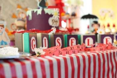 Jolly Holiday Mary Poppins Birthday Party Decoration 8