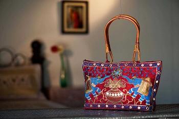 Holi- Tote Bags