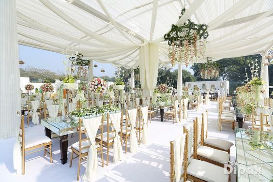 Weddings.net White Decor