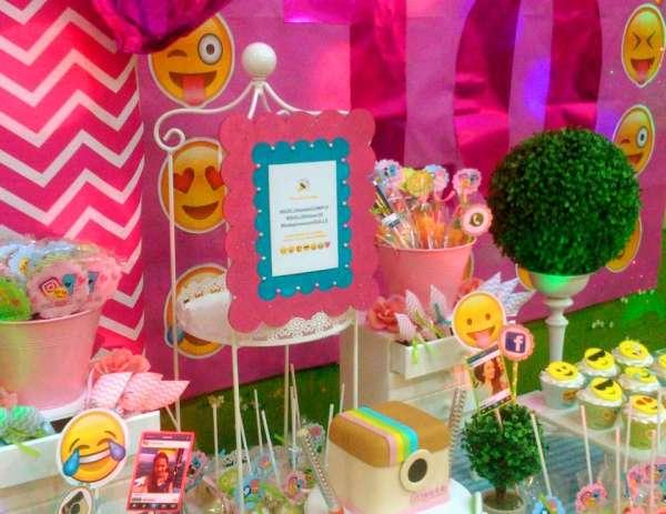 Emoji themed birthday party