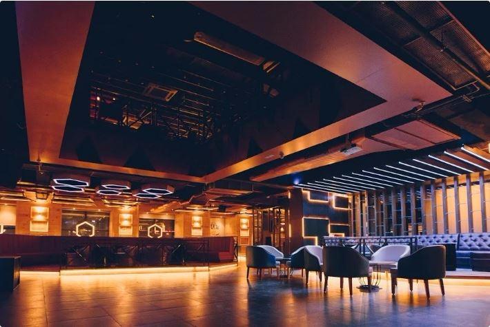 IPL Screening Venues in Sector 29- Big Boyz Lounge